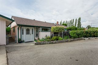 """Photo 2: 21710 48A Avenue in Langley: Murrayville House for sale in """"Murrayville"""" : MLS®# R2399243"""