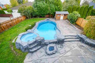 Photo 17: 5782 185 Street in Surrey: Cloverdale BC House for sale (Cloverdale)  : MLS®# R2411536