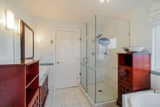 Photo 14: 5782 185 Street in Surrey: Cloverdale BC House for sale (Cloverdale)  : MLS®# R2411536