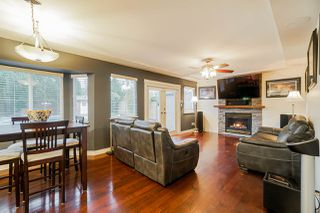 Photo 5: 5782 185 Street in Surrey: Cloverdale BC House for sale (Cloverdale)  : MLS®# R2411536