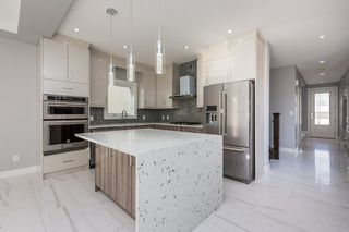 Photo 11: 10907 60 Avenue in Edmonton: Zone 15 House for sale : MLS®# E4178134
