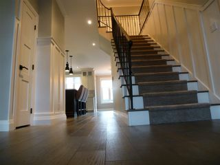 Photo 3: 10407 139 Street in Edmonton: Zone 11 House for sale : MLS®# E4179336