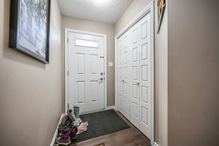 Photo 2: 3805 WHITELAW Place NW in Edmonton: Zone 56 House Half Duplex for sale : MLS®# E4192507