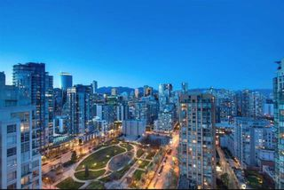 "Main Photo: 2403 1238 RICHARDS Street in Vancouver: Yaletown Condo for sale in ""THE METROPOLIS"" (Vancouver West)  : MLS®# R2451448"