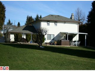 Photo 2: 19044 60B Avenue in Surrey: Cloverdale BC House for sale (Cloverdale)  : MLS®# F1105482