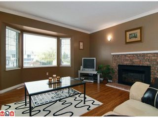 Photo 2: 21489 90TH Avenue in Langley: Walnut Grove House for sale : MLS®# F1108467