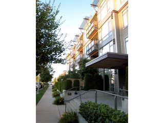 "Photo 1: 307 14300 RIVERPORT Way in Richmond: East Richmond Condo for sale in ""WATERSTONE PIER"" : MLS®# V891877"