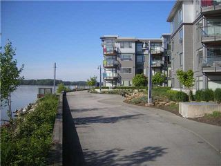 "Photo 9: 307 14300 RIVERPORT Way in Richmond: East Richmond Condo for sale in ""WATERSTONE PIER"" : MLS®# V891877"