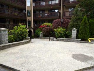 """Photo 1: 318 9847 MANCHESTER Drive in Burnaby: Cariboo Condo for sale in """"BARCLAY WOODS"""" (Burnaby North)  : MLS®# V894344"""