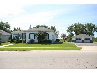 Photo 2: 1326 Riverside Drive NW in High River: Vista Mirage Residential Detached Single Family for sale : MLS®# C3527420