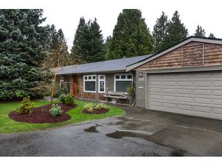 Photo 1: 1522 BRAID RD in Tsawwassen: Beach Grove House for sale : MLS®# V993778