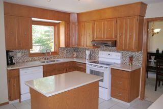 Photo 4: 27 Groveland Bay in Winnipeg: Residential for sale : MLS®# 1319384