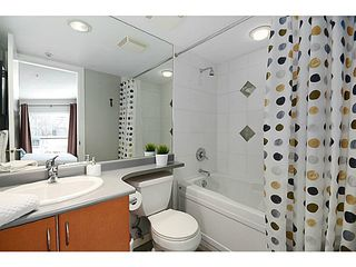 "Photo 10: 3171 W 4TH Avenue in Vancouver: Kitsilano Townhouse for sale in ""BRIDEWATER"" (Vancouver West)  : MLS®# V1052354"
