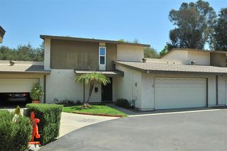 Photo 2: LAKESIDE Townhome for sale : 4 bedrooms : 9077 Calle Lucia