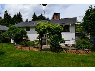"Photo 2: 1135 RIDGEWOOD Drive in North Vancouver: Edgemont House for sale in ""EDGEMONT VILLAGE"" : MLS®# V1069941"
