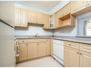 "Photo 2: 805 9274 122ND Street in Surrey: Queen Mary Park Surrey Townhouse for sale in ""WHISPERING CEDARS"" : MLS®# F1425476"