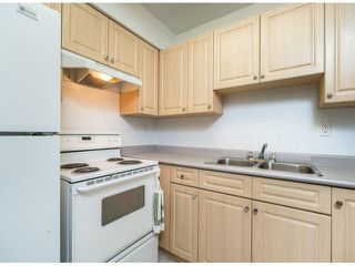 "Photo 3: 805 9274 122ND Street in Surrey: Queen Mary Park Surrey Townhouse for sale in ""WHISPERING CEDARS"" : MLS®# F1425476"