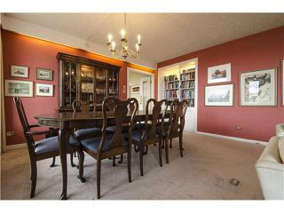 Photo 3: 701/02 3232 RIDEAU Place SW in Calgary: Rideau Park Condo for sale : MLS®# C3649551