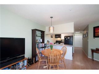 "Photo 10: 422 1820 W 3RD Avenue in Vancouver: Kitsilano Condo for sale in ""MONTEREY"" (Vancouver West)  : MLS®# V1118021"