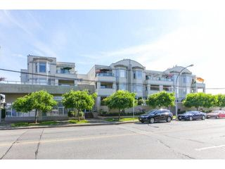 Photo 2: 207 20680 56TH Avenue in Langley: Langley City Condo for sale : MLS®# F1441743