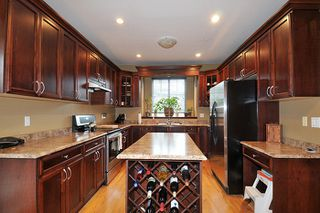 """Photo 6: 11735 GILLAND Loop in Maple Ridge: Cottonwood MR House for sale in """"RICHMOND HILL"""" : MLS®# R2027944"""
