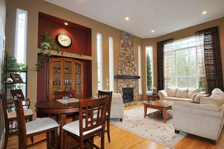 "Photo 3: 11735 GILLAND Loop in Maple Ridge: Cottonwood MR House for sale in ""RICHMOND HILL"" : MLS®# R2027944"