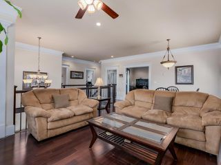 """Photo 5: 918 SPERLING Avenue in Burnaby: Sperling-Duthie House for sale in """"Sperling-Duthie"""" (Burnaby North)  : MLS®# R2069619"""