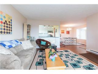 Photo 3: 401 2631 Prior Street in VICTORIA: Vi Hillside Condo Apartment for sale (Victoria)  : MLS®# 365966