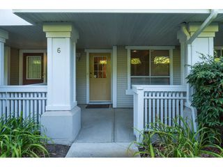 "Photo 2: 6 22000 SHARPE Avenue in Richmond: Hamilton RI Townhouse for sale in ""RICHMOND MEWS"" : MLS®# R2094428"