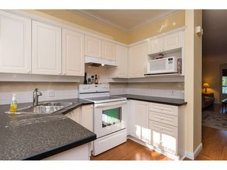 "Photo 8: 6 22000 SHARPE Avenue in Richmond: Hamilton RI Townhouse for sale in ""RICHMOND MEWS"" : MLS®# R2094428"
