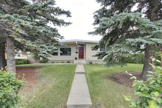 Photo 1: 9640 24 Street SW in Calgary: House for sale : MLS®# C3628130