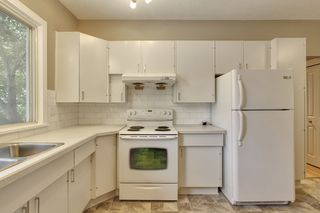 Photo 11: 9640 24 Street SW in Calgary: House for sale : MLS®# C3628130