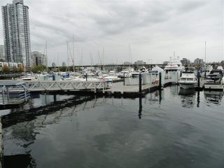 "Photo 5: F14 1088 MARINASIDE Crescent in Vancouver: Yaletown Condo for sale in ""QUAYSIDE MARINA"" (Vancouver West)  : MLS®# R2121416"