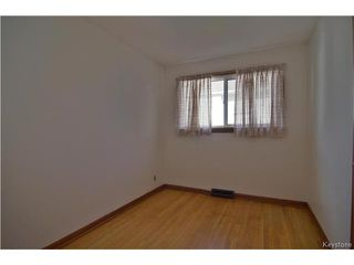 Photo 8: 555 Hethrington Avenue in Winnipeg: Fort Rouge Residential for sale (1Aw)  : MLS®# 1707638