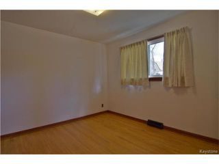 Photo 9: 555 Hethrington Avenue in Winnipeg: Fort Rouge Residential for sale (1Aw)  : MLS®# 1707638
