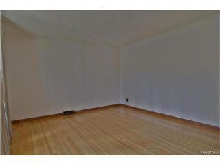Photo 12: 555 Hethrington Avenue in Winnipeg: Fort Rouge Residential for sale (1Aw)  : MLS®# 1707638