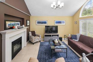 Photo 4: 12 Highbank Rd in VICTORIA: VR Six Mile Single Family Detached for sale (View Royal)  : MLS®# 765041