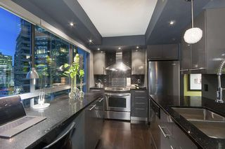 "Photo 9: 707 1060 ALBERNI Street in Vancouver: West End VW Condo for sale in ""THE CARLYLE"" (Vancouver West)  : MLS®# R2211208"