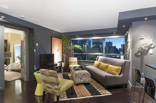 "Photo 2: 707 1060 ALBERNI Street in Vancouver: West End VW Condo for sale in ""THE CARLYLE"" (Vancouver West)  : MLS®# R2211208"