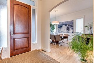 Photo 3: 208 SIGNATURE Point(e) SW in Calgary: Signal Hill House for sale : MLS®# C4141105