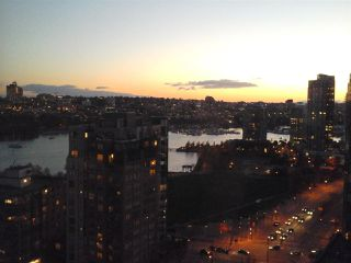"""Photo 14: 2005 212 DAVIE Street in Vancouver: Yaletown Condo for sale in """"Parkview Gardens"""" (Vancouver West)  : MLS®# R2218956"""