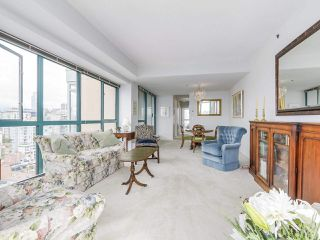 """Photo 8: 2005 212 DAVIE Street in Vancouver: Yaletown Condo for sale in """"Parkview Gardens"""" (Vancouver West)  : MLS®# R2218956"""