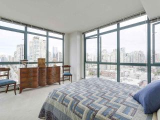"""Photo 16: 2005 212 DAVIE Street in Vancouver: Yaletown Condo for sale in """"Parkview Gardens"""" (Vancouver West)  : MLS®# R2218956"""