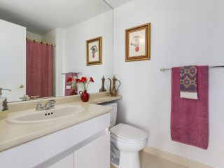 """Photo 15: 2005 212 DAVIE Street in Vancouver: Yaletown Condo for sale in """"Parkview Gardens"""" (Vancouver West)  : MLS®# R2218956"""