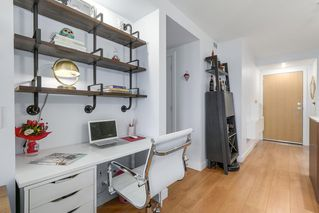 Photo 11: 320 221 E 3 Street in North Vancouver: Lower Lonsdale Condo for sale : MLS®# R2228210
