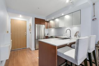 Photo 9: 320 221 E 3 Street in North Vancouver: Lower Lonsdale Condo for sale : MLS®# R2228210