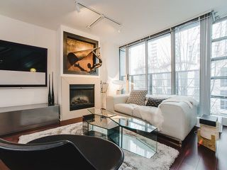 Photo 3: 314 1255 SEYMOUR Street in Vancouver: Downtown VW Condo for sale (Vancouver West)  : MLS®# R2236517