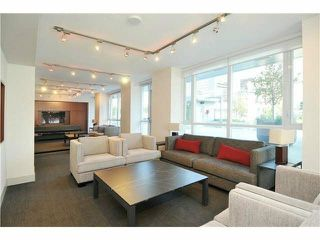 "Photo 4: 2310 833 SEYMOUR Street in Vancouver: Downtown VW Condo for sale in ""CAPITOL RESIDENCES"" (Vancouver West)  : MLS®# R2242154"