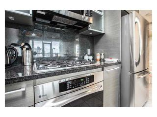 "Photo 5: 2310 833 SEYMOUR Street in Vancouver: Downtown VW Condo for sale in ""CAPITOL RESIDENCES"" (Vancouver West)  : MLS®# R2242154"