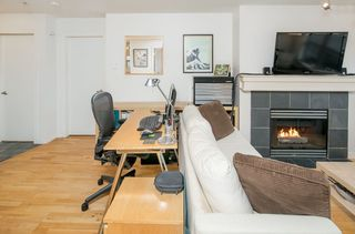 "Photo 4: 306 3161 W 4TH Avenue in Vancouver: Kitsilano Condo for sale in ""Bridgewater"" (Vancouver West)  : MLS®# R2252176"